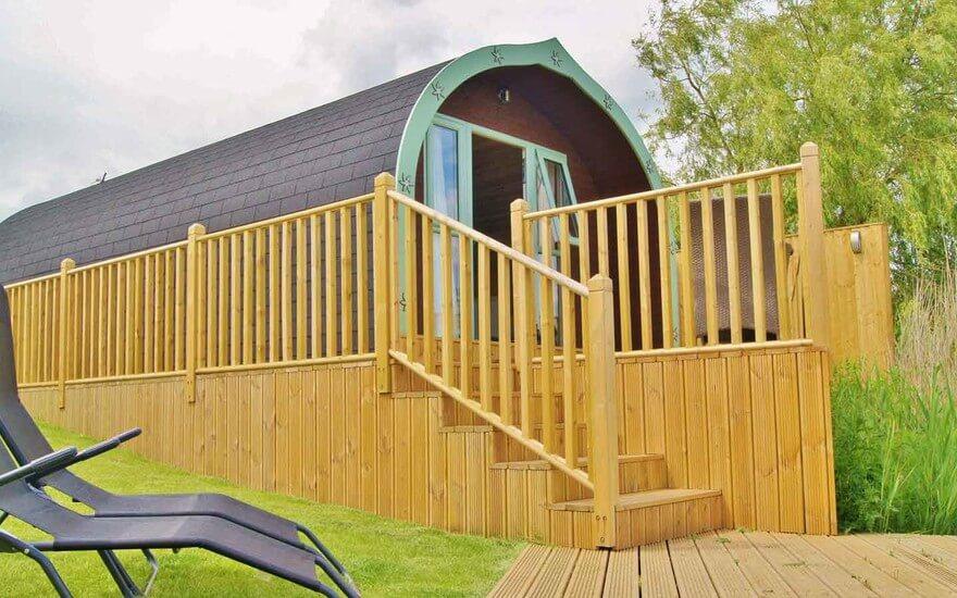 Oak Lodge Log Cabin With Fishing Lakes