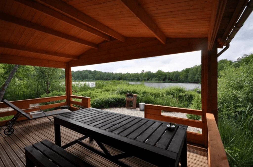 The Lakeside Chalet
