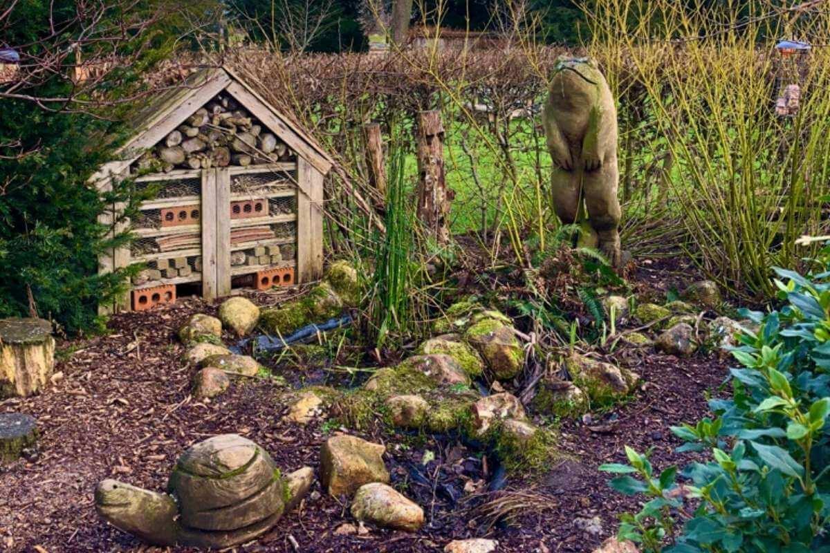 Make A Bug Hotel in Your Garden