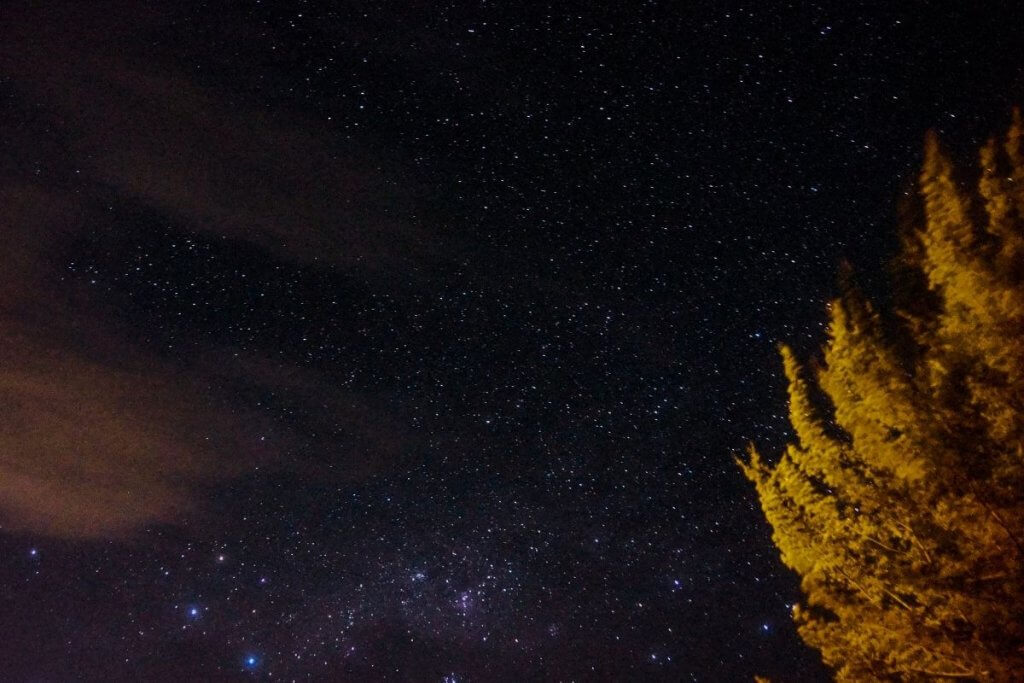 Stargazing is a great outdoor activity to reduce stress