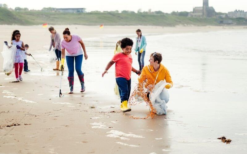 Children's litter picking on the beach